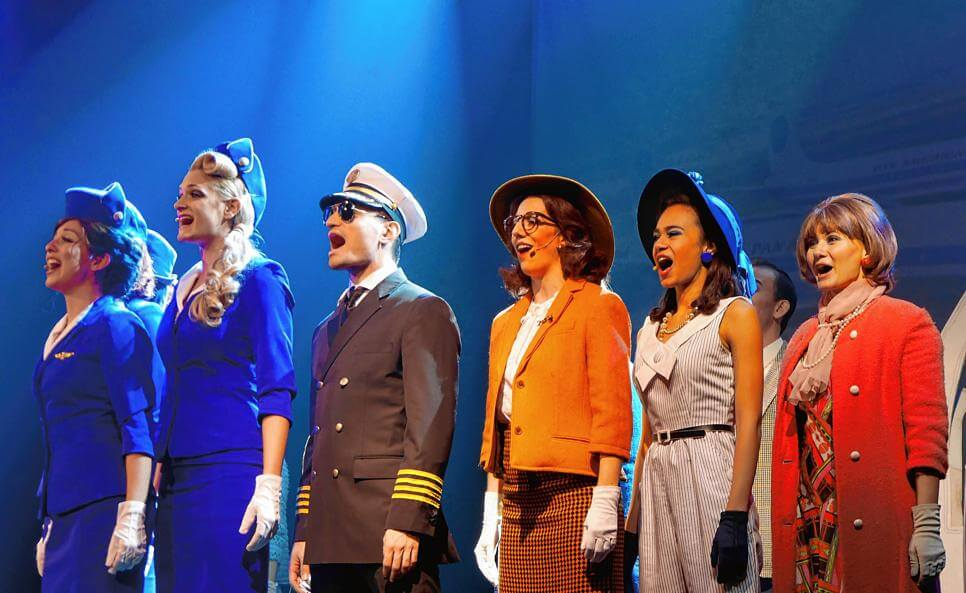 "<div class=""fl-photo-caption-inner""><div class=""date"">18. November 2018</div> Das Musical ""Happy Landing"" in Bad Säckingen, © Marion Rank</div>"