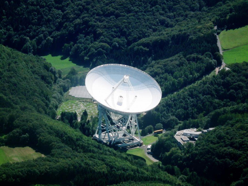 Super-Radioteleskop der Max-Plank-Gesellschaft.